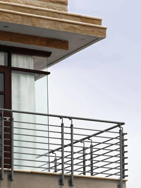 Tube 42 è la ringhiera per esterno in cui linee semplici ed elementari danno nuova forma. Steel 30 Ringhiera Per Scale Interne Ed Esterne Fontanot Shop