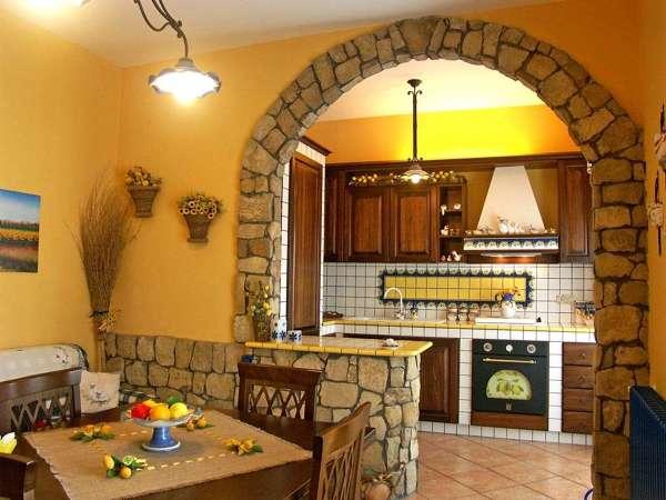 Pro e contro dell'utilizzo di piastrelle nel soggiorno. Foto Arco Cucina Sala Di Cariello Carmine 532381 Habitissimo