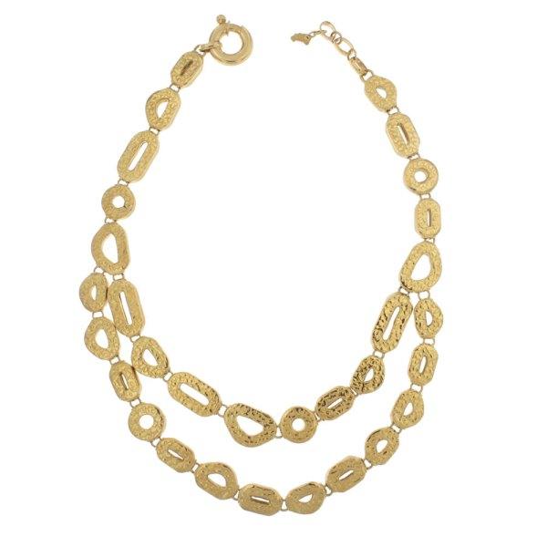 Collana in oro giallo con finitura martellata.