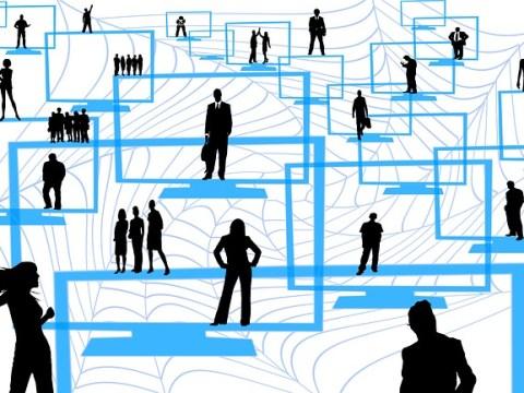 įvertinimai ir atsiliepimai internetu