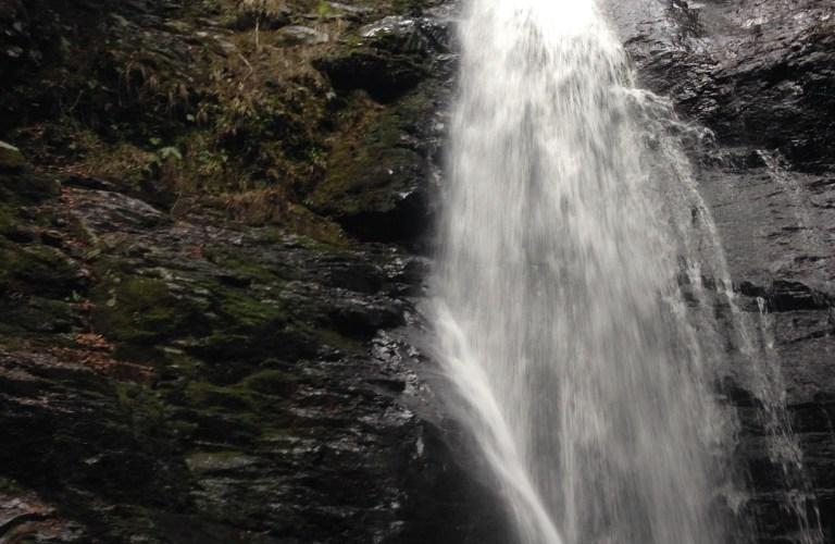 滝の魅力を伝える【蜻蛉の滝】