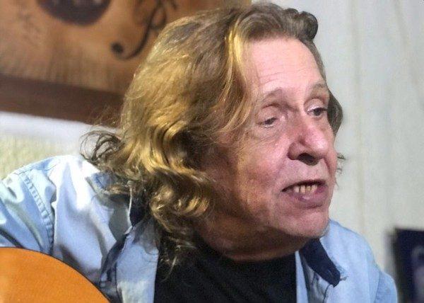 Renato Barros, da banda Renato e Seus Blue Caps, morre no Rio