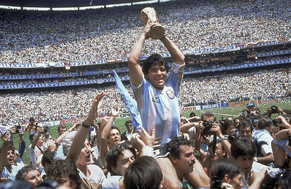 Diego Maradona morre na Argentina aos 60 anos