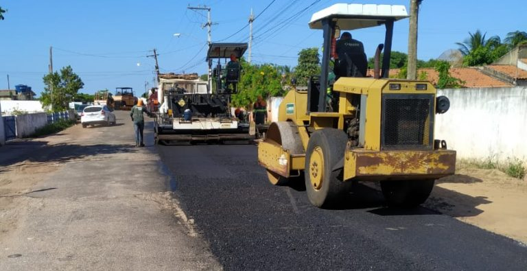 Prefeitura apoia ação de recapeamento asfáltico do DER em Gargaú