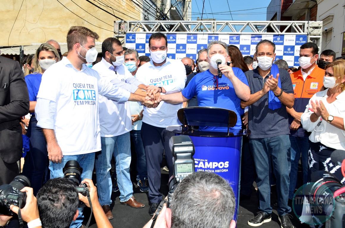 Inauguração de restaurante popular tem multidão aglomerada em Campos, no RJ