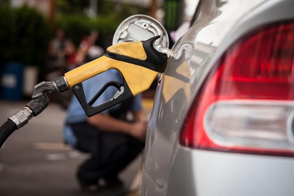 Gasolina a R$ 7 o litro: por que o preço dos combustíveis está subindo – e quem são os 'culpados' por isso