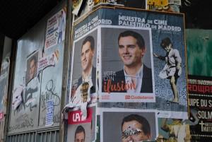 Manifesti elettorali di Ciudadanos per le vie di Madrid, Spagna (dicembre 2015)
