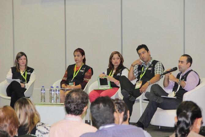 Maestros de Itagüí en foro sobre Plan Digital TESO