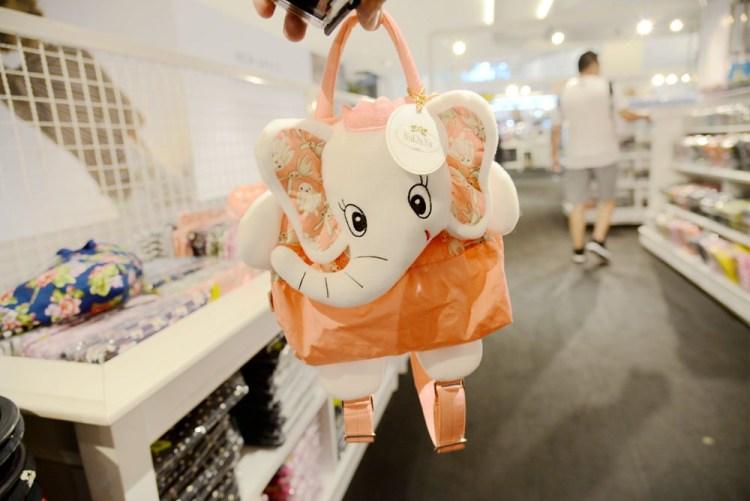 泰國曼谷購物中心   吹冷氣囉! Central World Plaza 知名品牌NaRaYa、Marco Polo、BEAUTY COTTAGEU 一次買個夠!