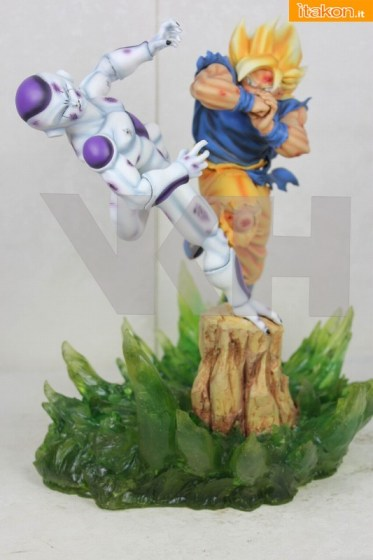 SS Goku vs Freeza final form diorama - Da VKH Figure