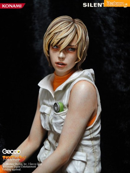 heather mason - robbie the rabbit - silent hill 3 - gecco 1