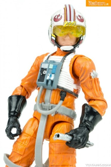 Black-Series-Luke-Skywalker-X-Wing-028