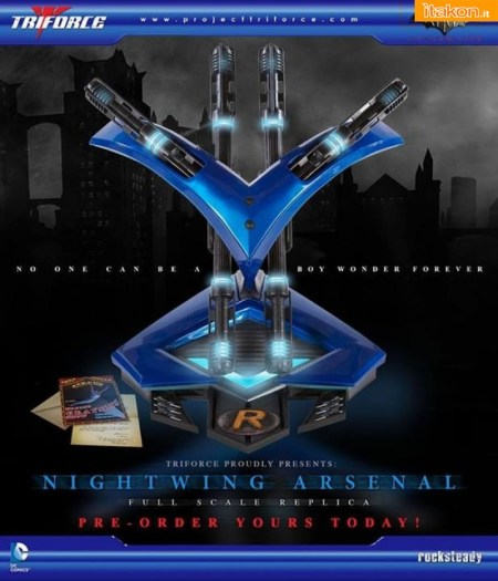 Arkham City Nightwing Arsenal Full Scale Replica (1)