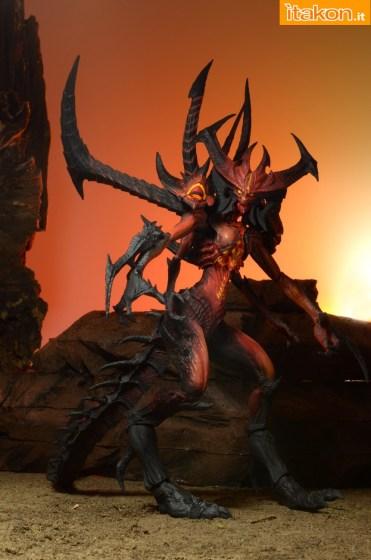 Diablo-III-Diablo-Deluxe-Figure-005