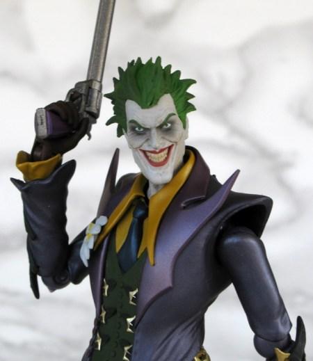 099 Joker - Injustice - SH Figuarts Bandai recensione