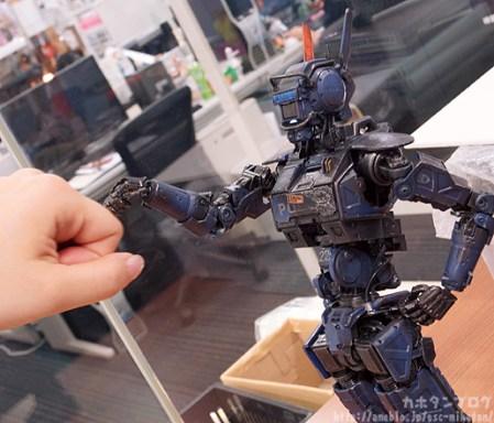 CHAPPiE - Humanoid - ThreeZero photogallery 09