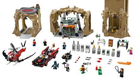 lego-batman2-classic-batcave