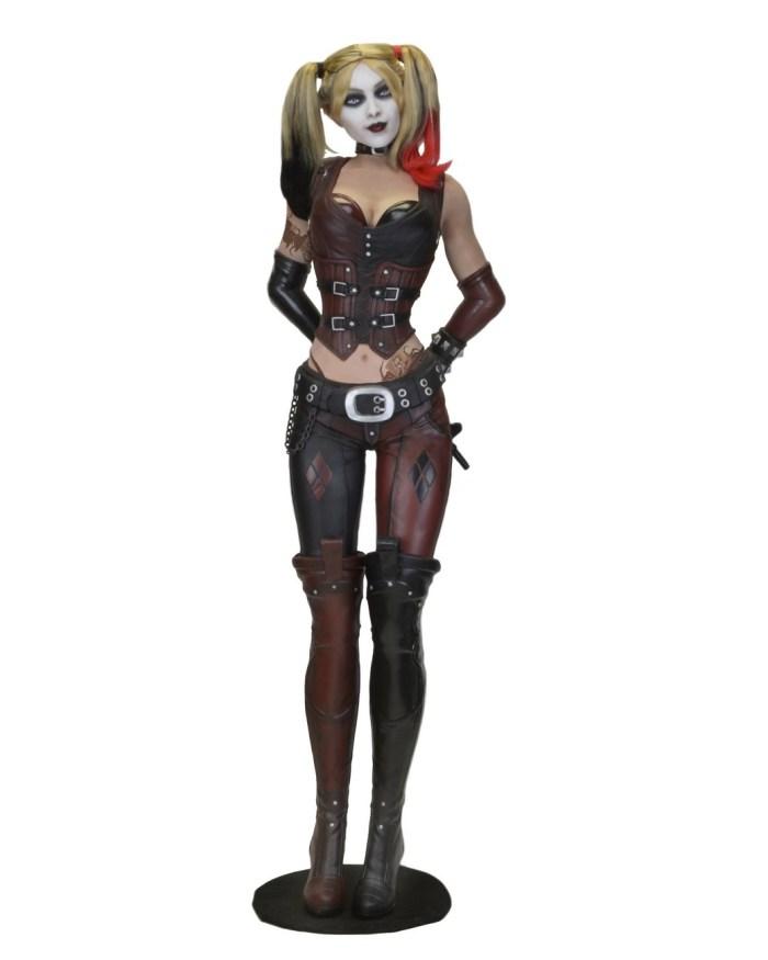 Arkham-City-Harley-Life-Size-NECA-001