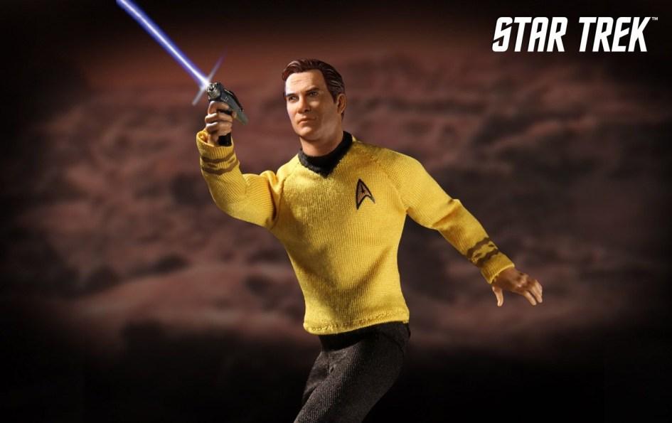 Mezco-Star-Trek-One12-Captain-Kirk-006