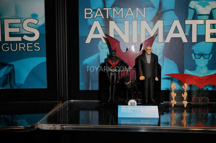 TF-2016-DC-Collectibles-Batman-Animated-020