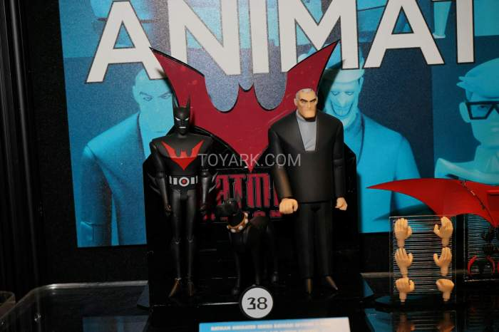 TF-2016-DC-Collectibles-Batman-Animated-021