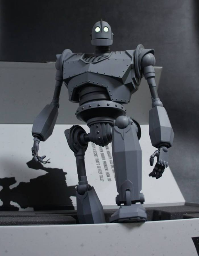 The IRON GIANT Mondo pics 05