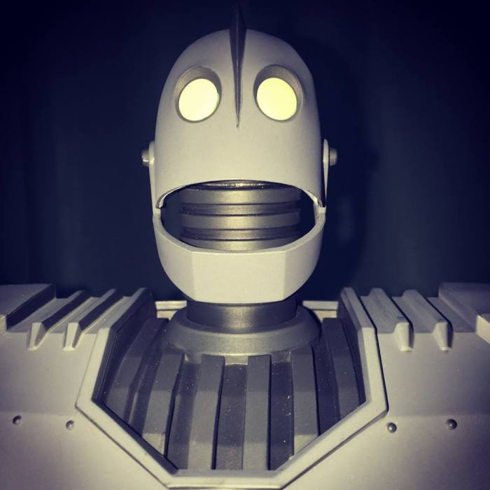 The IRON GIANT Mondo pics 27