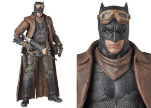 MAFEX-BvS-Knightmare-Batman-001