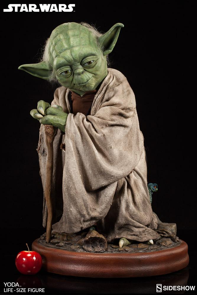 Sideshow-Life-Size-Yoda-Replica-002
