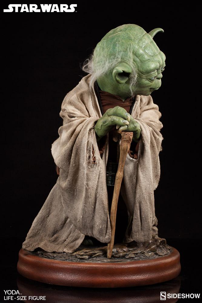 Sideshow-Life-Size-Yoda-Replica-005