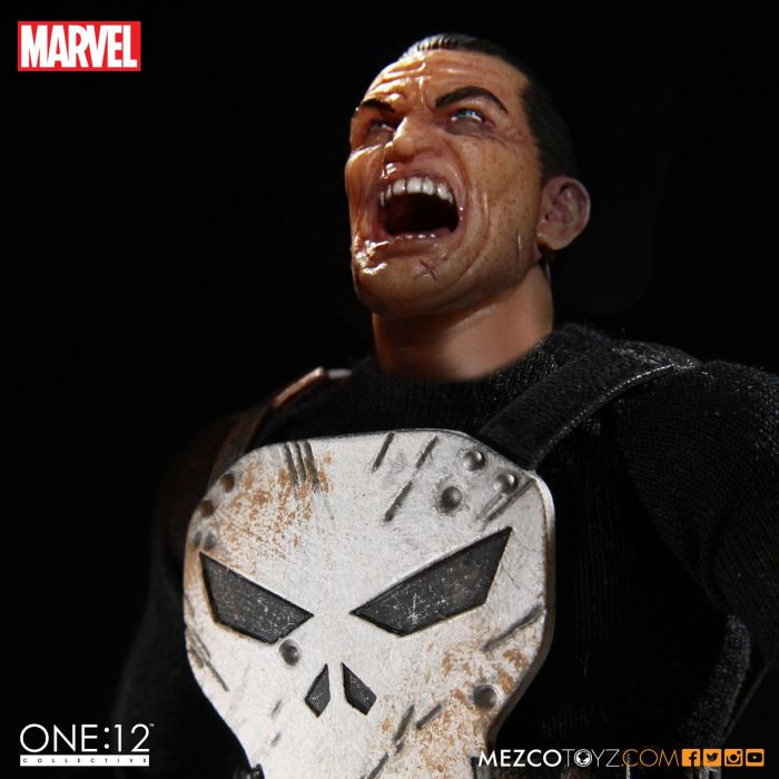 MezcoOne12-The-Punisher-004
