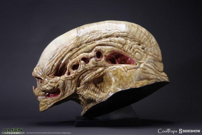 alien-resurrection-alien-newborn-life-size-head-coolprops-902730-01