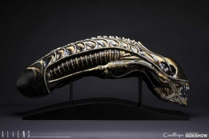 aliens-alien-warrior-life-size-head-coolprops-902729-02