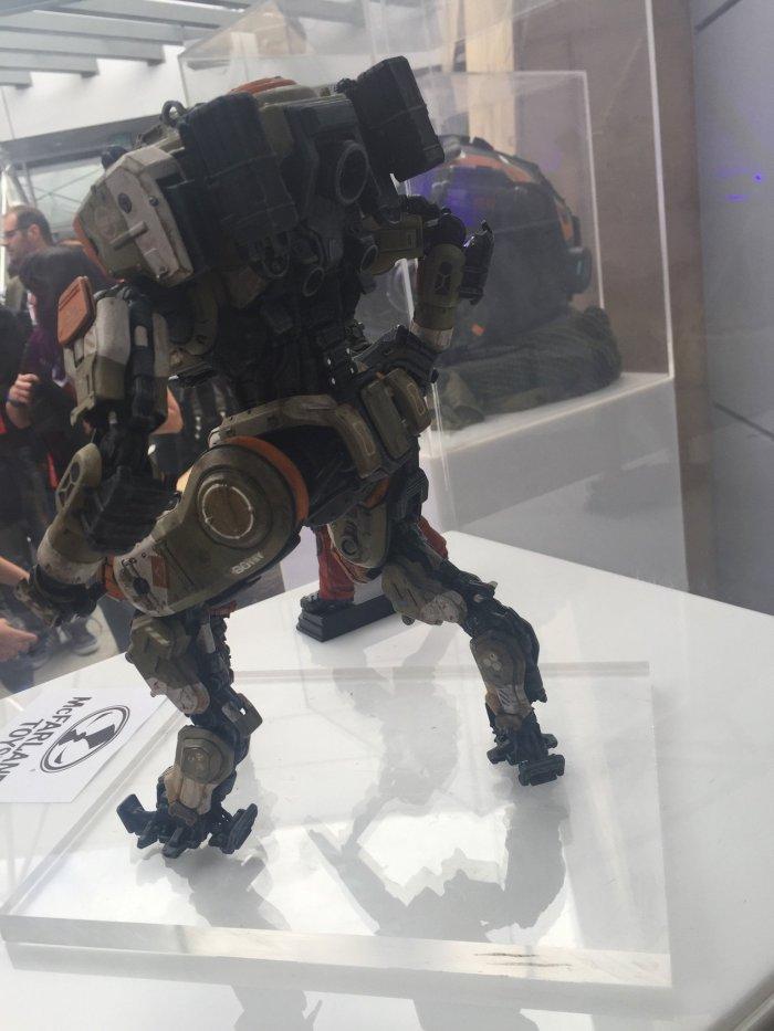 McFarlane-E3-Titanfall-2-Figures-003