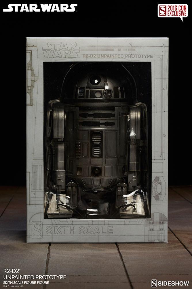 SDCC16-Sideshow-R2-D2-Figure010