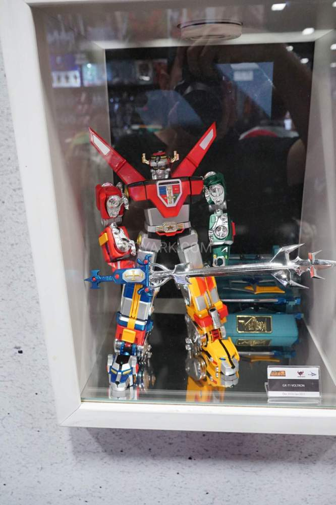 SDCC-2016-SOC-voltron-001
