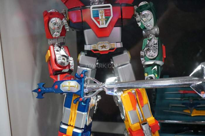 SDCC-2016-SOC-voltron-004