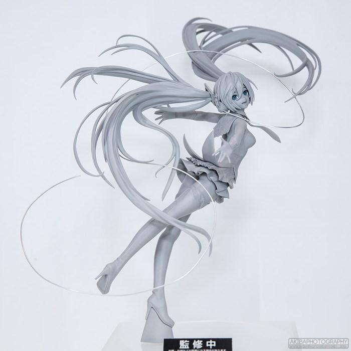 Miku Hatsune: OriginShingeki no Bahamut ver. (Max Factory)
