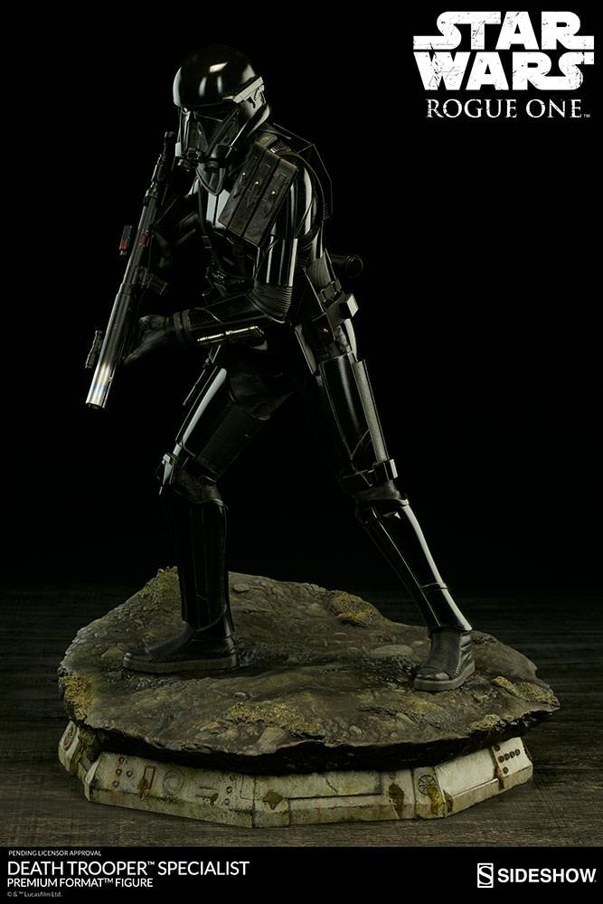 star-wars-rogue1-death-trooper-specialist-premium-format-300530-08