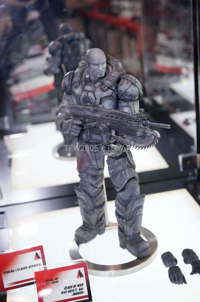 nycc2016-square-play-arts-gears-of-war-001
