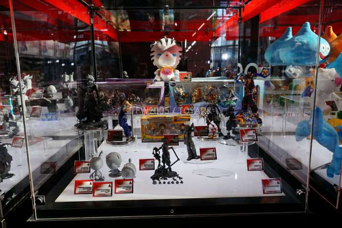 nycc2016-square-video-game-figures-022