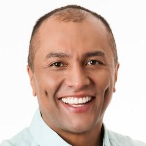 presentador Eduardo Neira