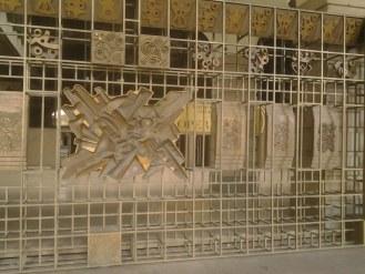 Teatro Regio di Torino - la cancellata d'ingresso, opera di Umberto Mastroianni