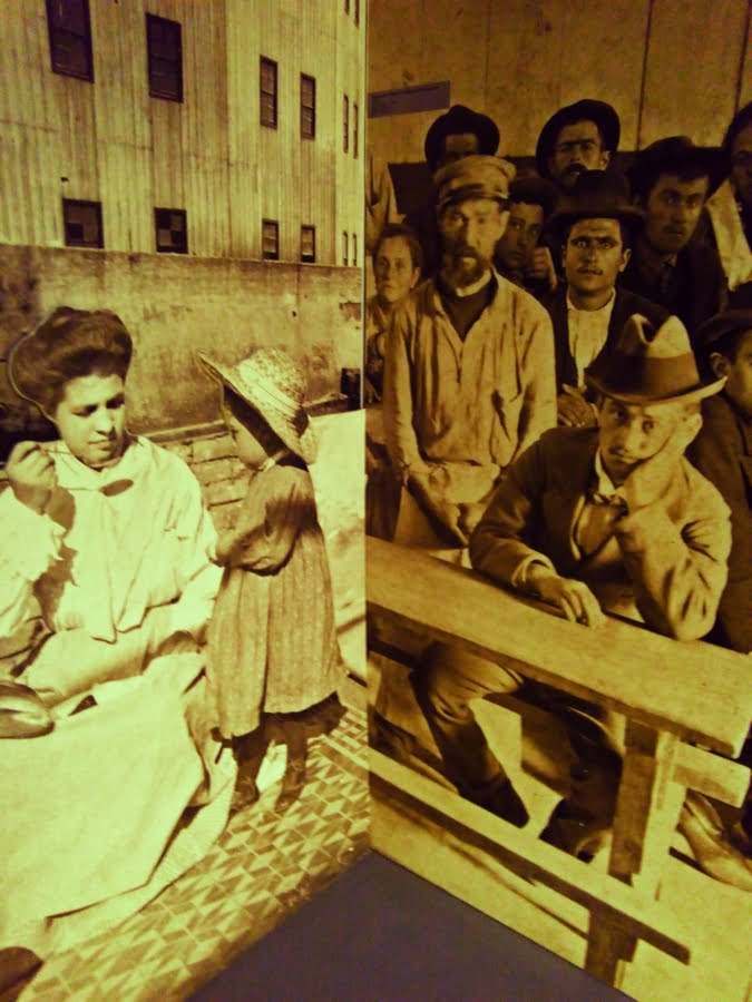 Museo del Mare di Genova interno - la sezione a ricordo dei nostri emigranti