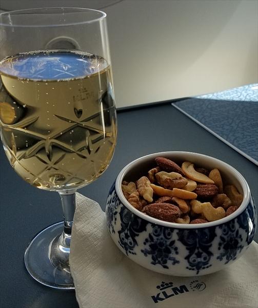 KLMオランダ航空のビジネスクラス豪華機内食