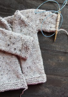 shawl-sweater-one-sleeve-on-needle