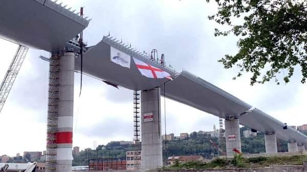 Ponte Gênova finalizada