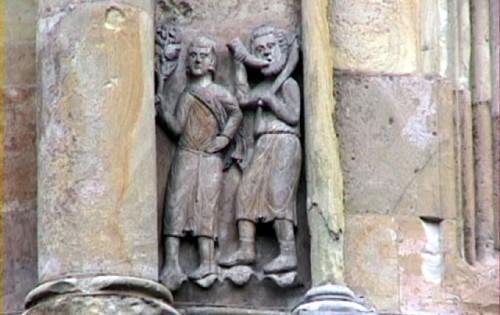 L'abside del Duomo di Fidenza: Marzo (a destra) e Aprile.
