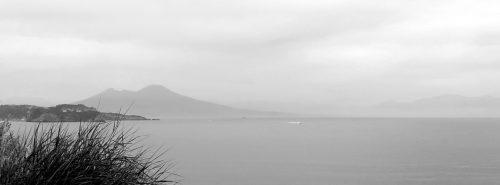 Il Vesuvio e il golfo visti dal Capo Miseno. Foto © Alina Zvonareva