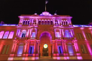 Casa Rosada at night